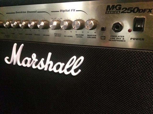 Marshall MG250DFX 2×12 Guitar Amp