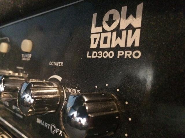 Line 6 LOWDOWN LD300 Pro 1×15 Bass Amp 3