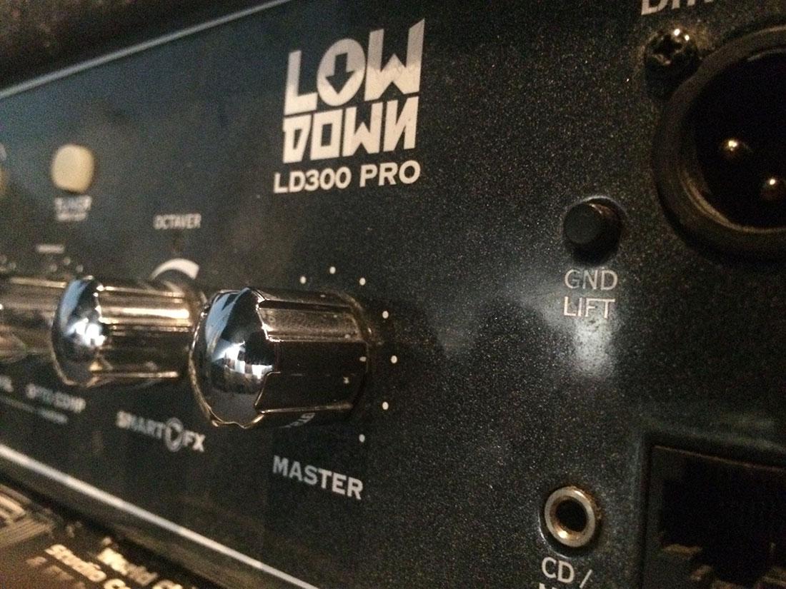 Line 6 LOWDOWN LD300 Pro 1×15 Bass Amp