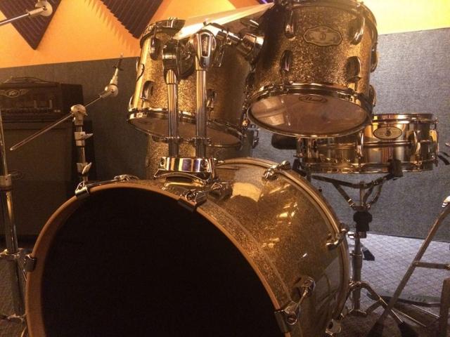 Pearl VSX Vision Drum Kit (5 piece, Champagne)