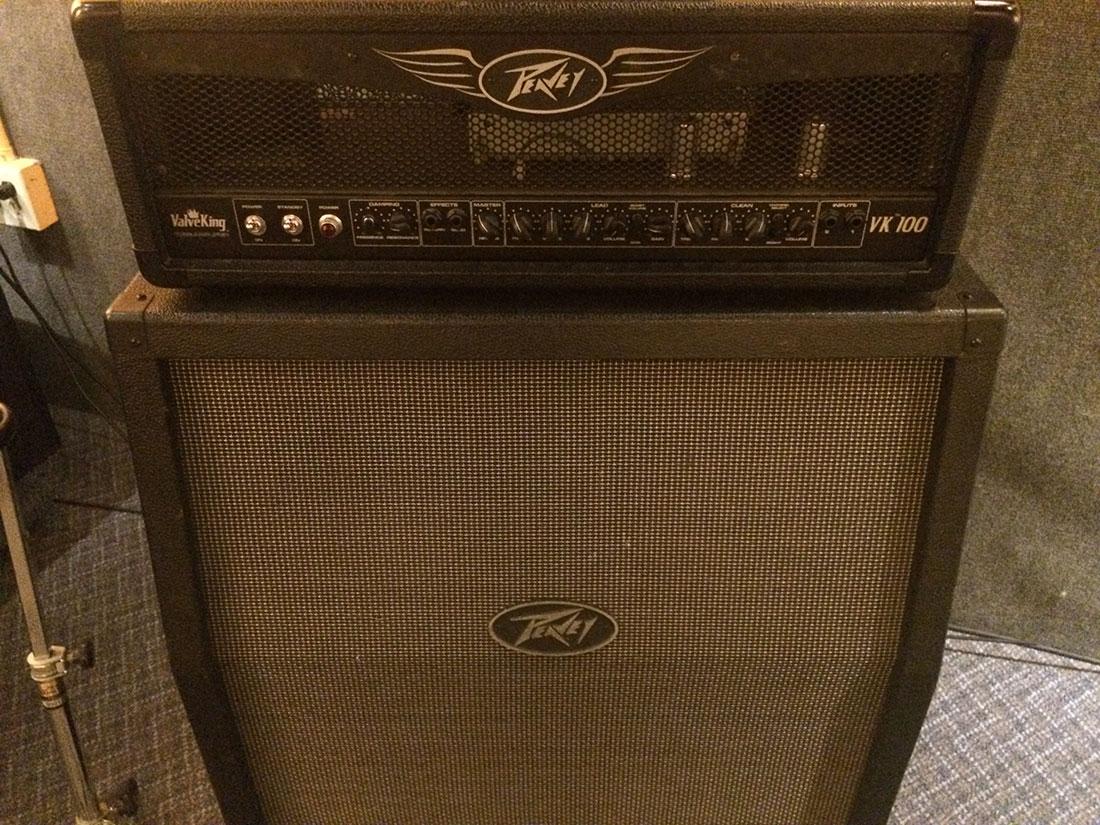 Peavey ValveKing 100Watt Head Guitar Amp and Peavey ValveKing 4×12 Slant Cabinet